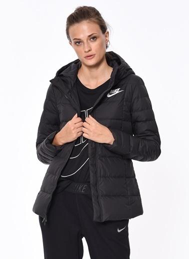 Nike Kapüşonlu Şişme Mont Siyah